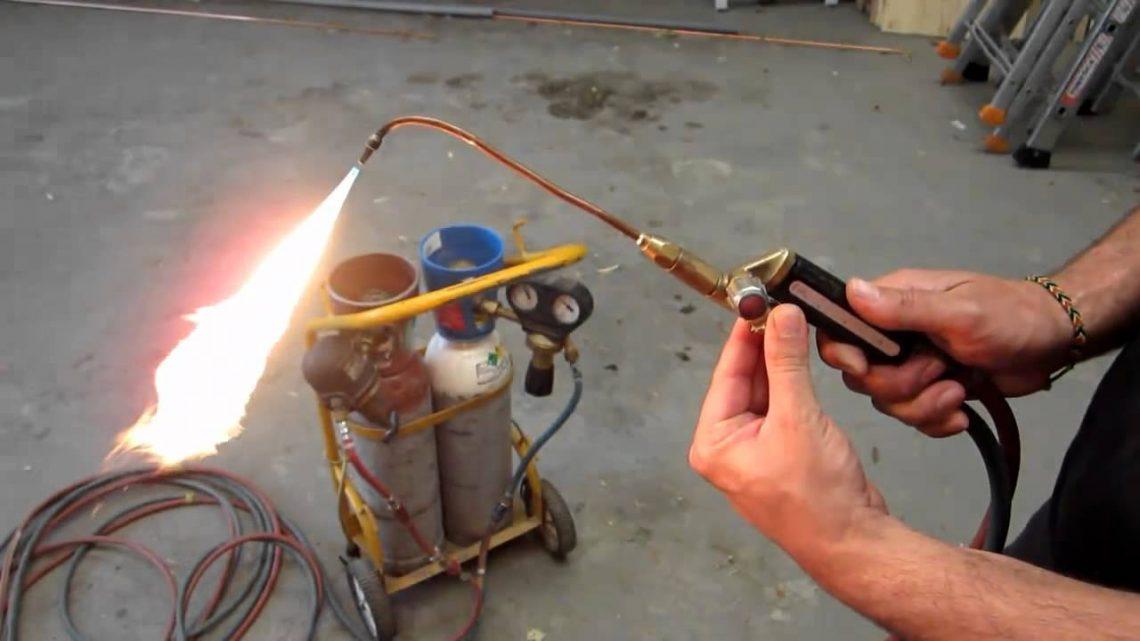 Comment régler la flamme d'un chalumeau ?