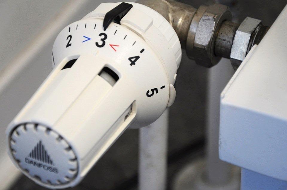 Radiateurs bruyants : causes et solutions pour les réparer