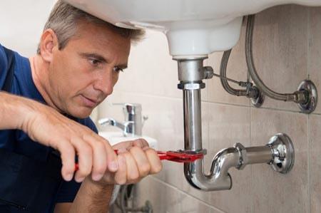 Zoom sur les domaines d'intervention d'un plombier professionnel