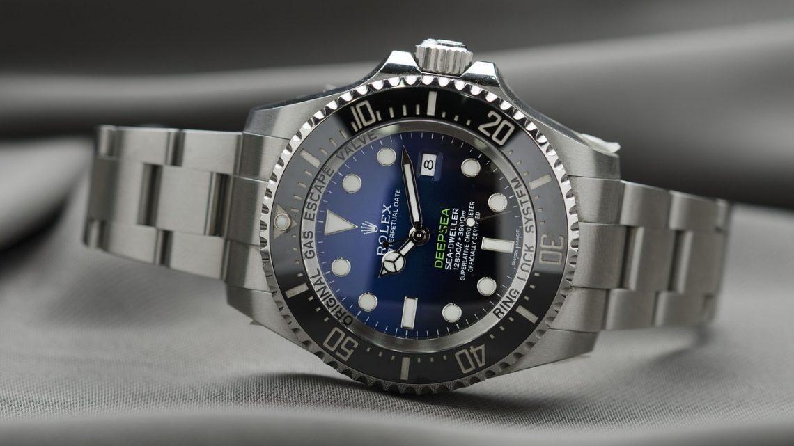 La raison de la popularité les montres suisses.